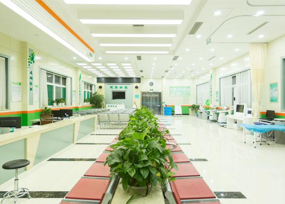 安居医院智能公共卫生服务大厅—健康小屋安装完毕